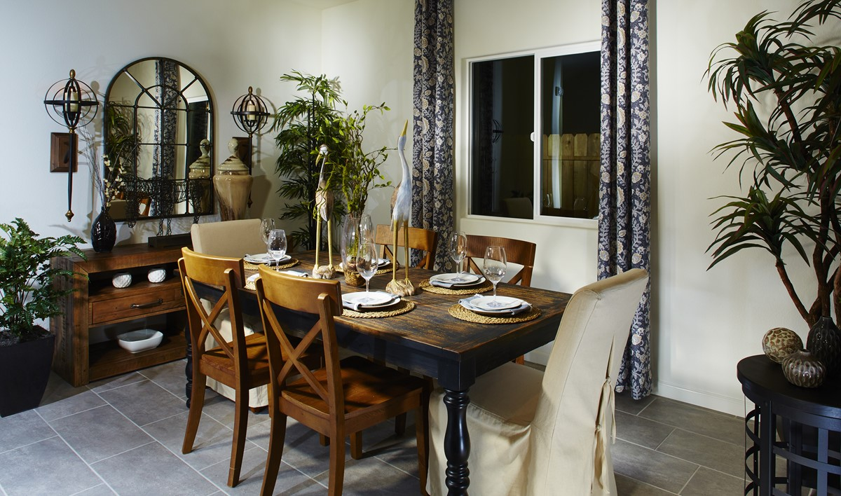 yosemitie-dining-area-aspire-at-bellevue-new-homes-merced-ca