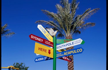 6 58650_LegoLand Directional Sign GettyImages-521348172