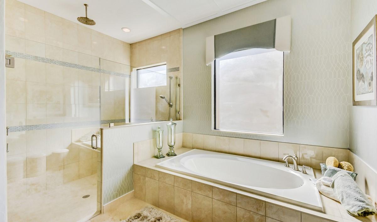 FS Parkland - Barnard - Owners Suite Bath-2