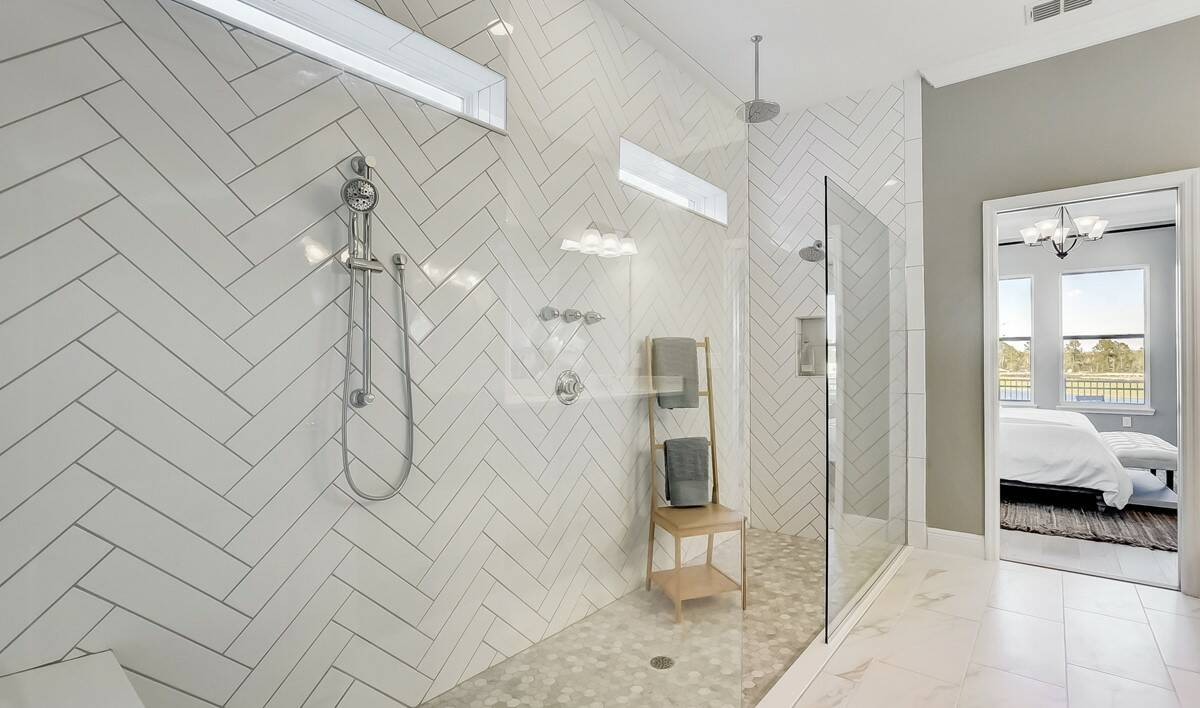 58169_Winding Bay_Tompkins II_Owner_s Spa Bath