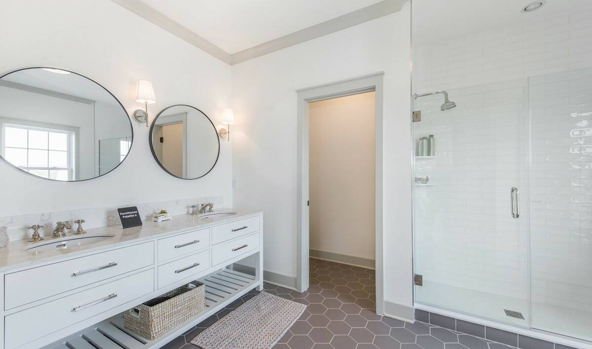63553_Hilltop at Cedar Grove_Claremont_Owner_s Bath