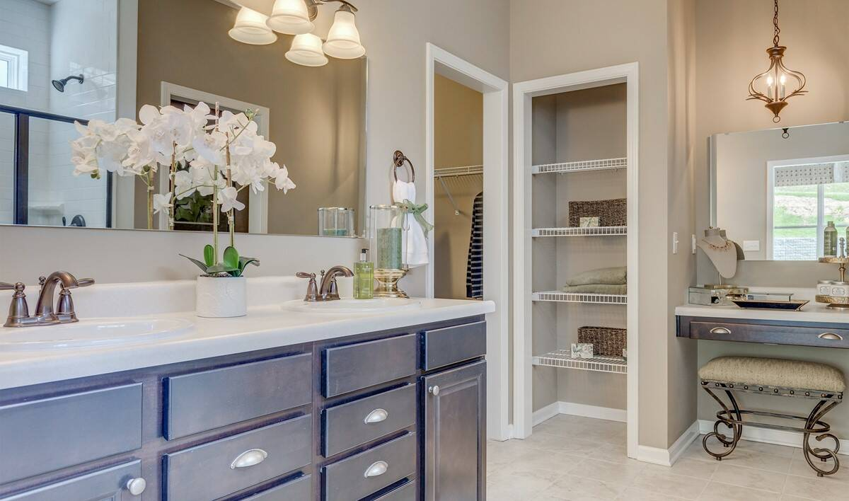 Khov_Ohio_Stonecreek_Gable_Owner's Bathroom 1