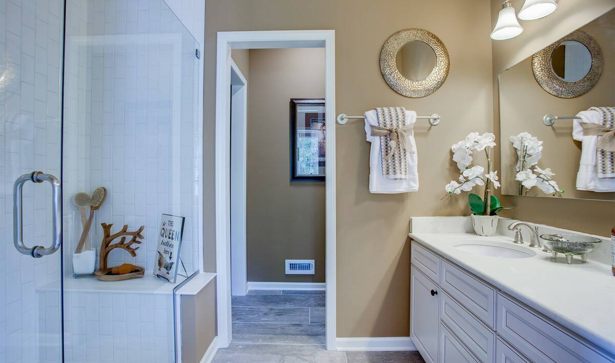 khov_YoungsTown_Sedgwick_owners_bath