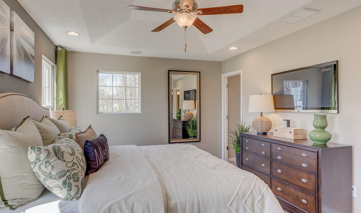 Khov_Ohio_Woodridge Place_Appleton_Owner's Suite 2