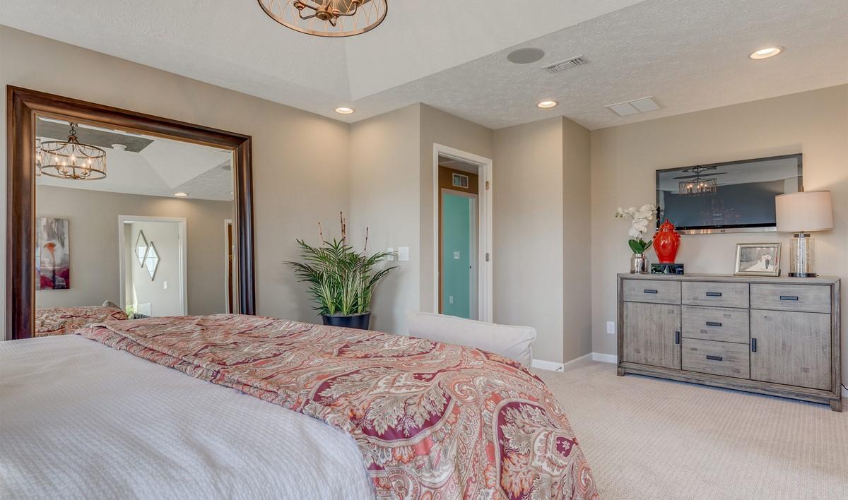 Khov_Ohio_North Pointe_ Hanover_Owner's Suite 2