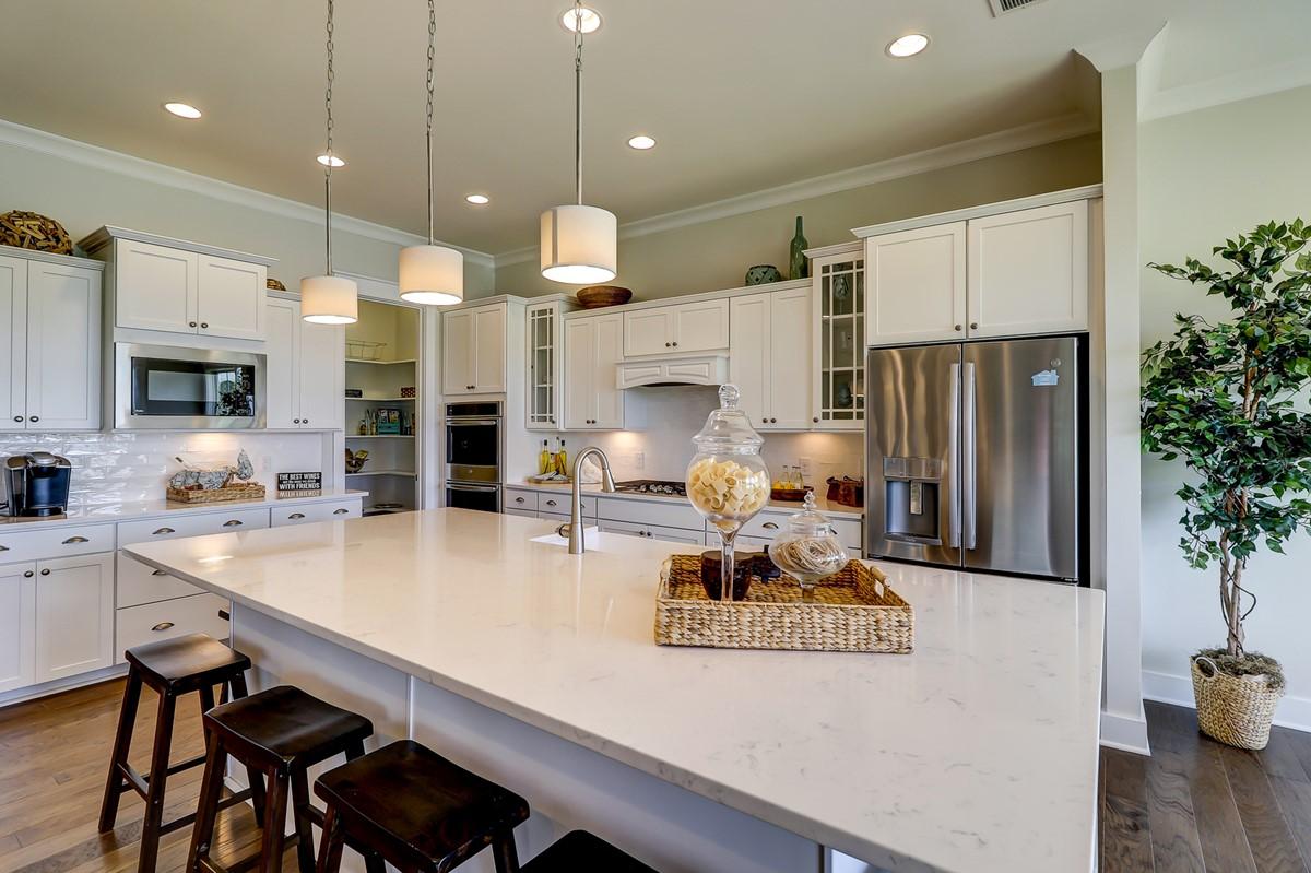 SC_HamptonLake_RaveenaLoft_Interior_Kitchen