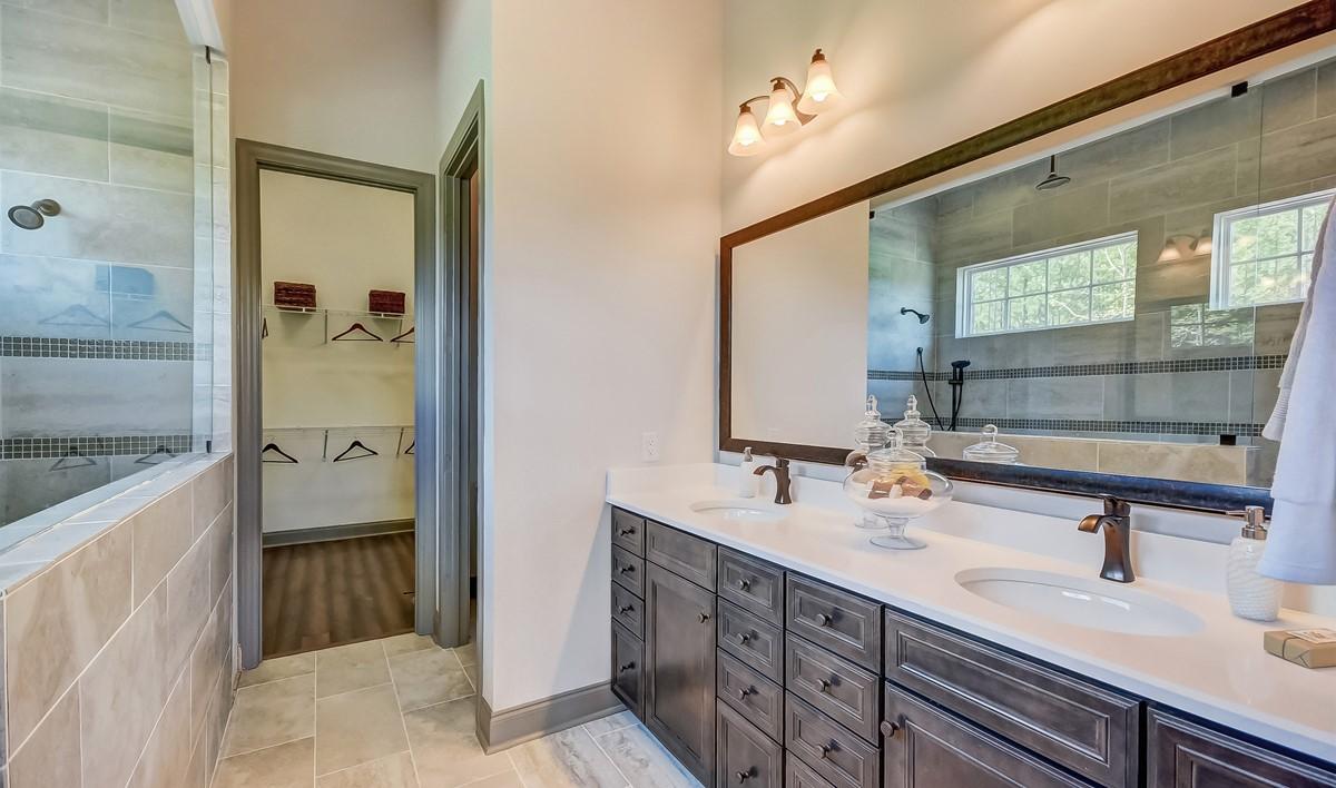 Cane Bay Killarney II Loft Master Bathroom-1