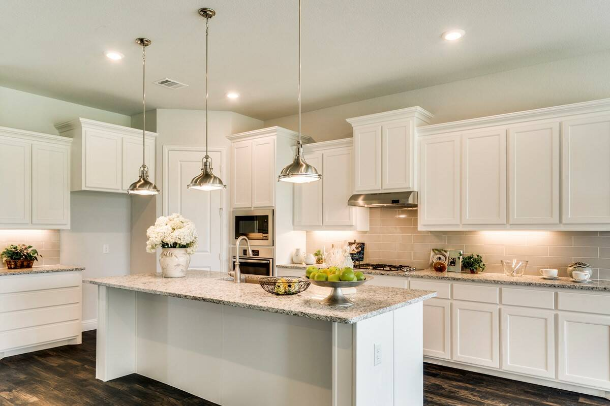 Clarendon II - kitchen