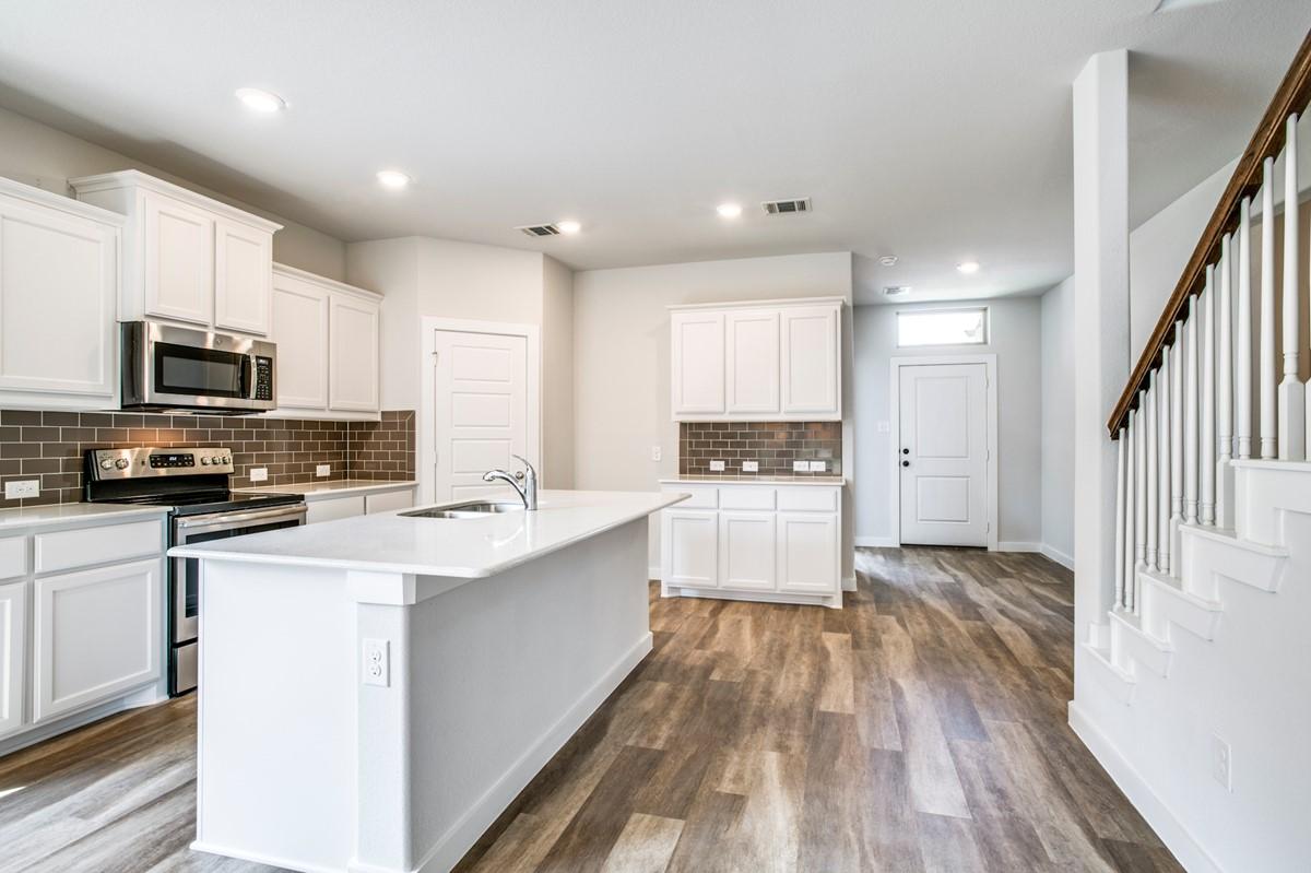 5812 Hickoryhill_Coronado IV_Thumb Kitchen