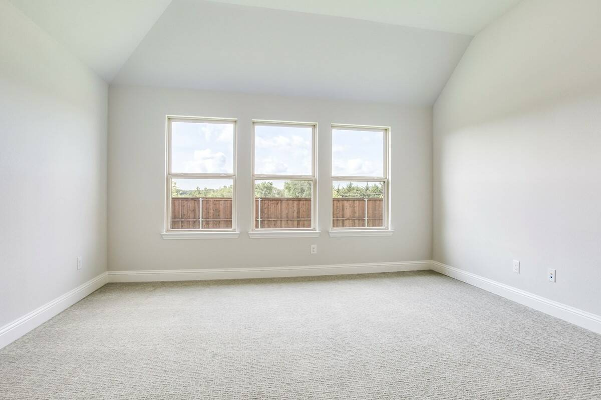 Danbury II_owners suite thumb