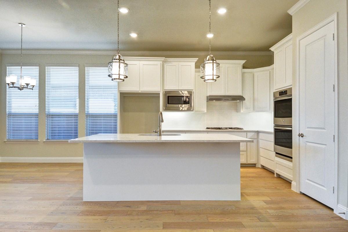 Laredo IV kitchen add