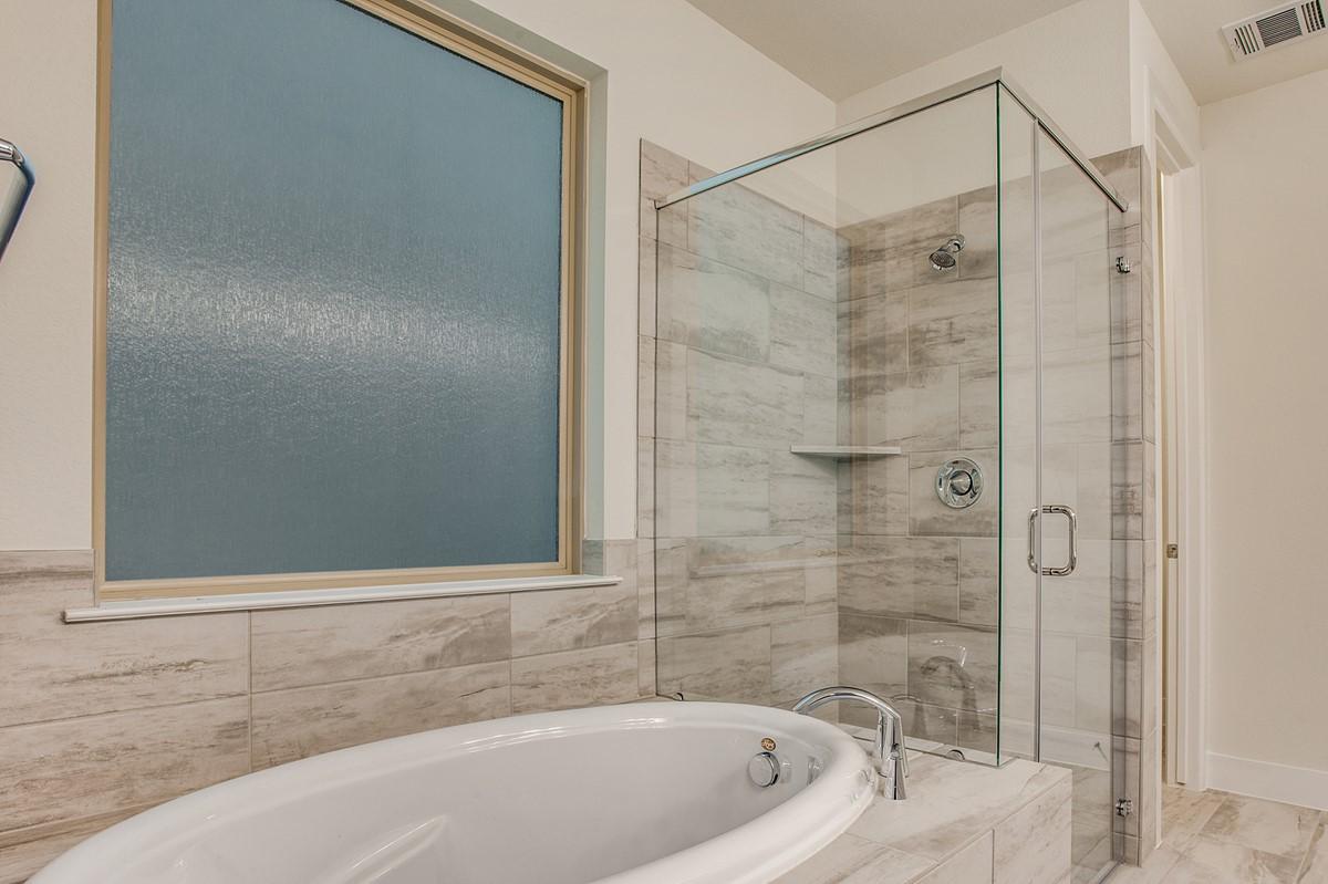 8234 Laflin Lane_Maplewood_Merion at Midtown Park_owners lux bath