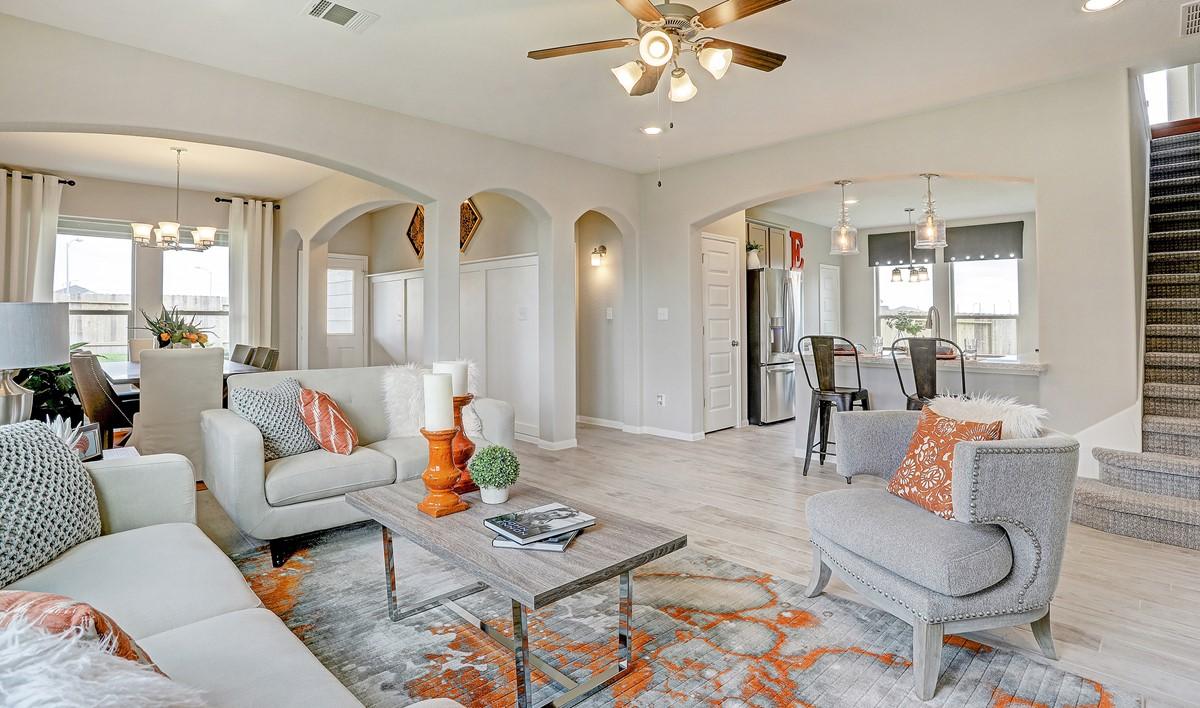 Open floor plan_Casa Linda 32106 IMG 08_1c