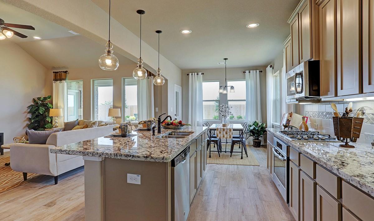 Kitchen2_Prairie Glen 24126 IMG 12_1_1c