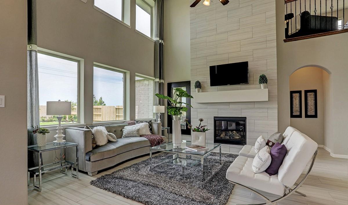 Great room_Prairie Glen 24130 IMG 23_1_1c