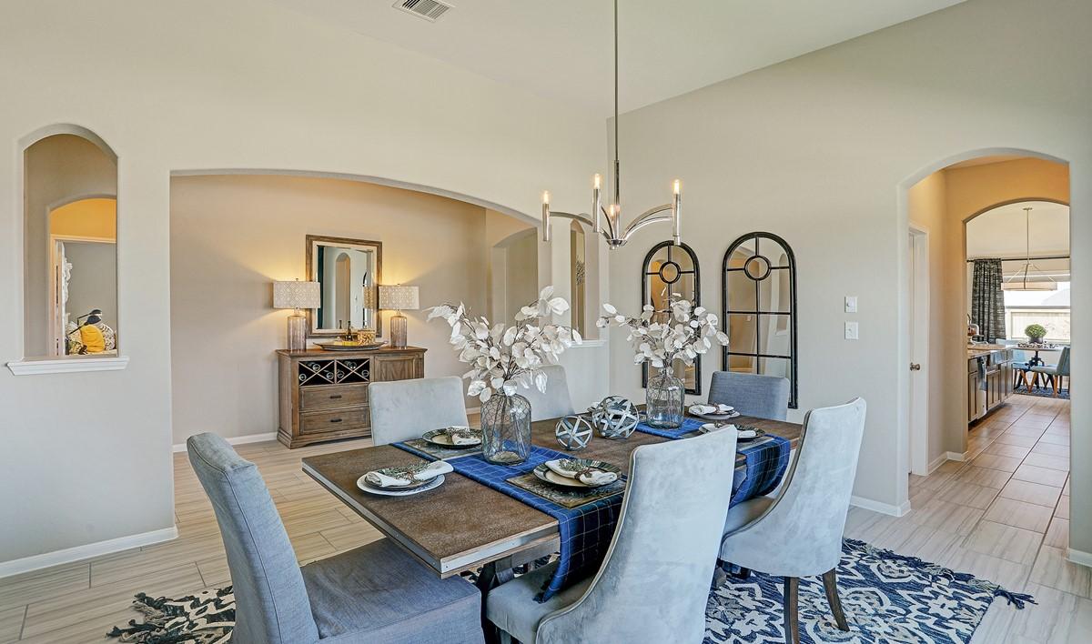Dining room_Brazos 214 IMG 27_1c