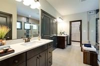 VA_EstatesOfChancellorsville_ColoradoII_Interior_OwnersBath5