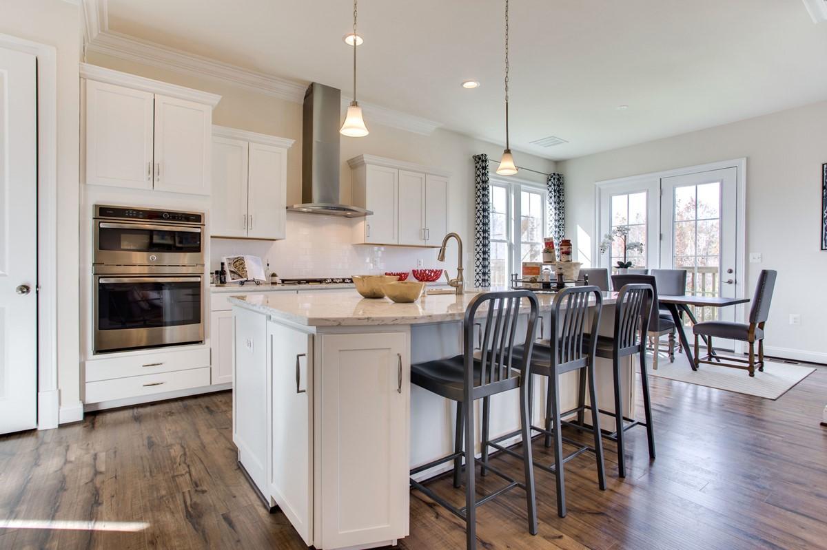 VA_GreensHearthCollection_Avondale_Interior_Kitchen