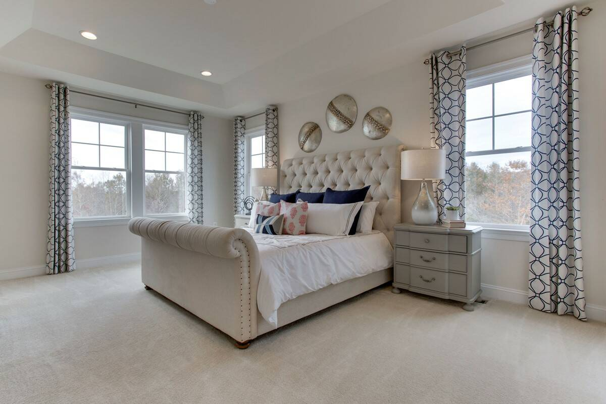 VA_GreensHearthCollection_Avondale_Interior_OwnersSuite