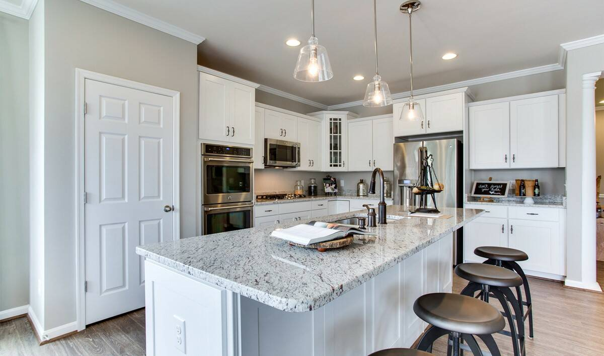 VA_RaymondFarm_BerryHill_Interior_Kitchen3