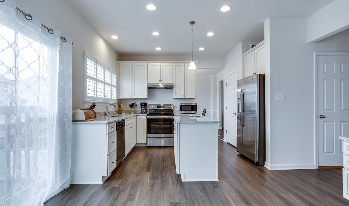 kitchen2 dakota 114 lot 8 new homes at shenandoah springs