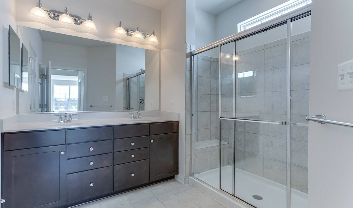 loren owners bath new homes at shenandoah springs